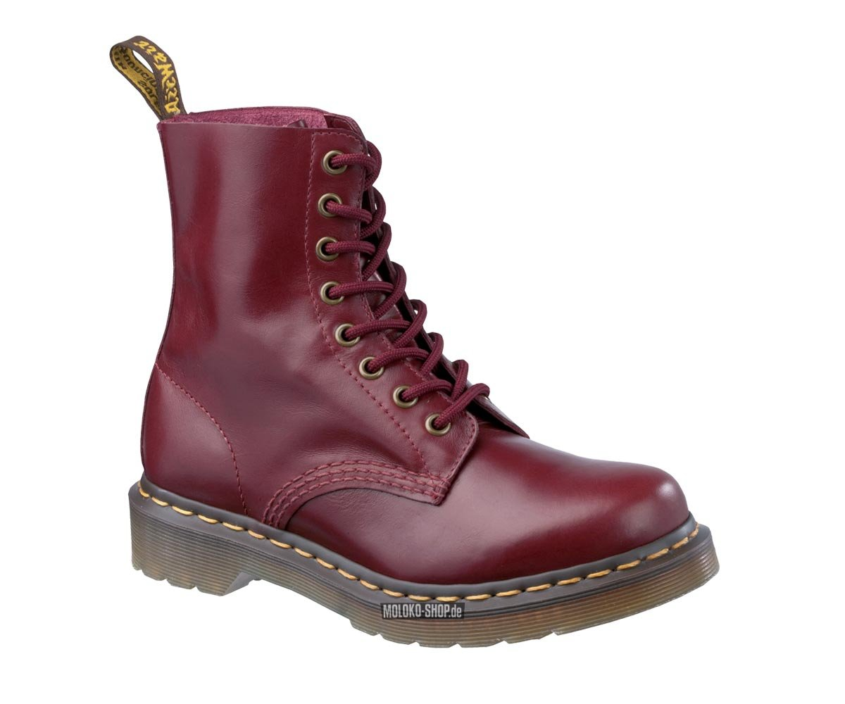 dr martens pascal 8 eye shiraz buttero rote 8 loch boots von doc martens. Black Bedroom Furniture Sets. Home Design Ideas