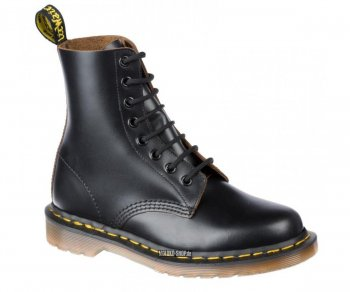 Dr. Martens 8 Eye Vintage Quilon Black